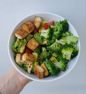 Greens and baked tofu